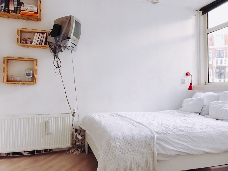 "Completely furnished studio in the authentic ""Jordaan"" area."